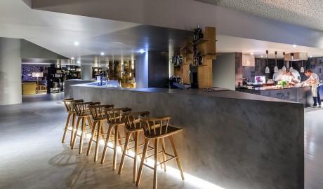 villa-c-boutique-hotel-bar-open-kitchen-m-05-r