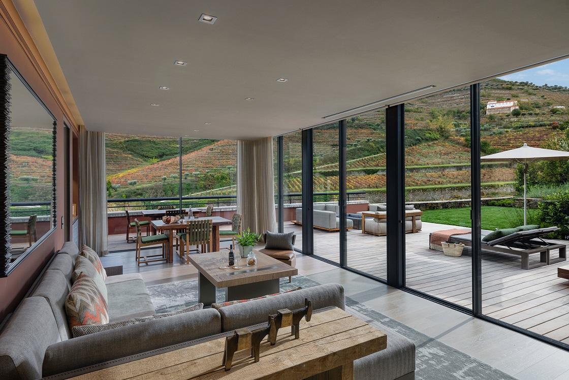 vineyard-garden-suite-living-room1